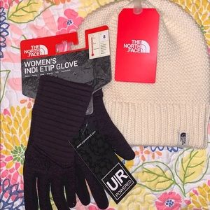 NWT THE NORTH FACE HAT AND GLOVES BUNDLE